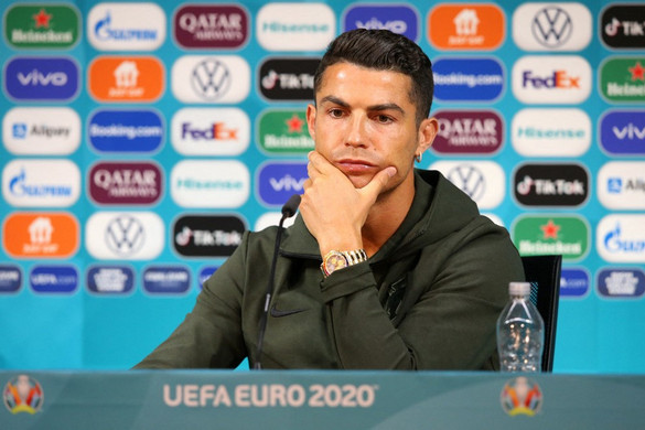Cristiano Ronaldo nem kólázik
