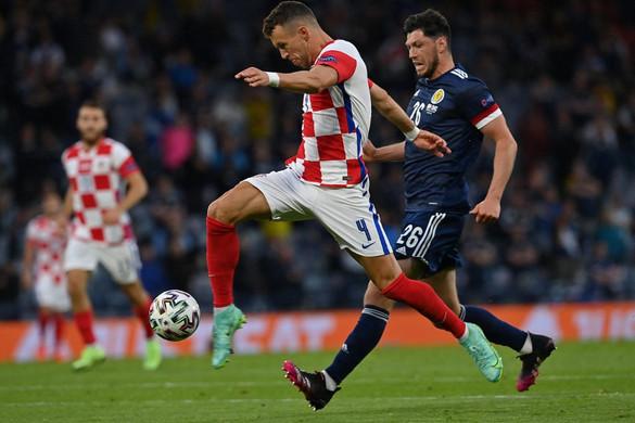 Angol, horvát és cseh továbbjutás