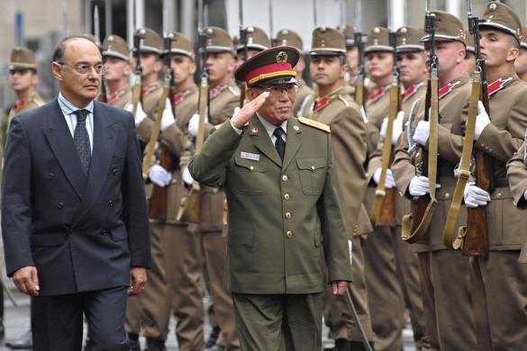 Gyurcsány és a kínai katonák