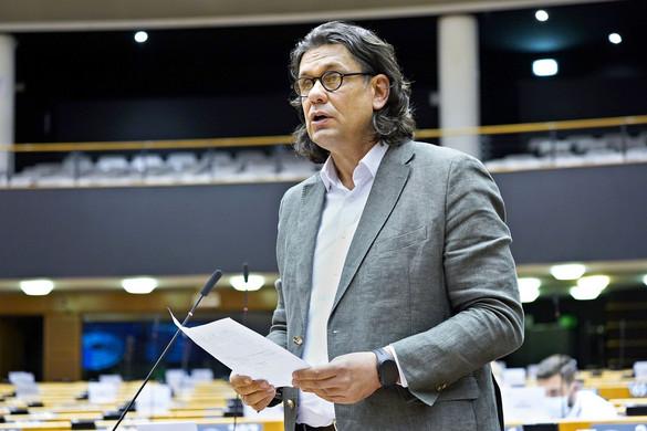 Politikai rendőrséggé változtatnák az EP-t