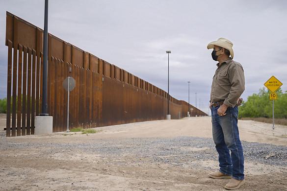 Texas állam a migráció visszaszorításával nem vár többet Washington segítségére