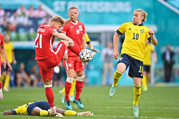 Miután Emil Forsberg megszerezte a torna eddigi leggyorsabb gólját, a lengyelek szenvedtek