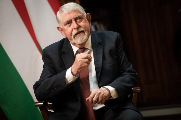 """""""A nemzeti kormány töretlenül fejleszti a magyar egészségügyet"""""""