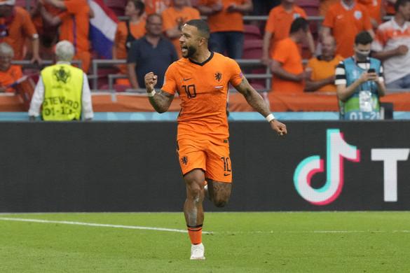 Hollandia jut tovább a C csoportból