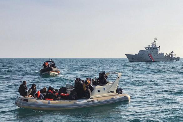 Képtelenek kiutasítani a britek az EU-ból érkező illegális migránsokat