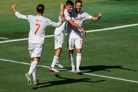 Spanyolország kiütéses győzelem után nyolcaddöntős