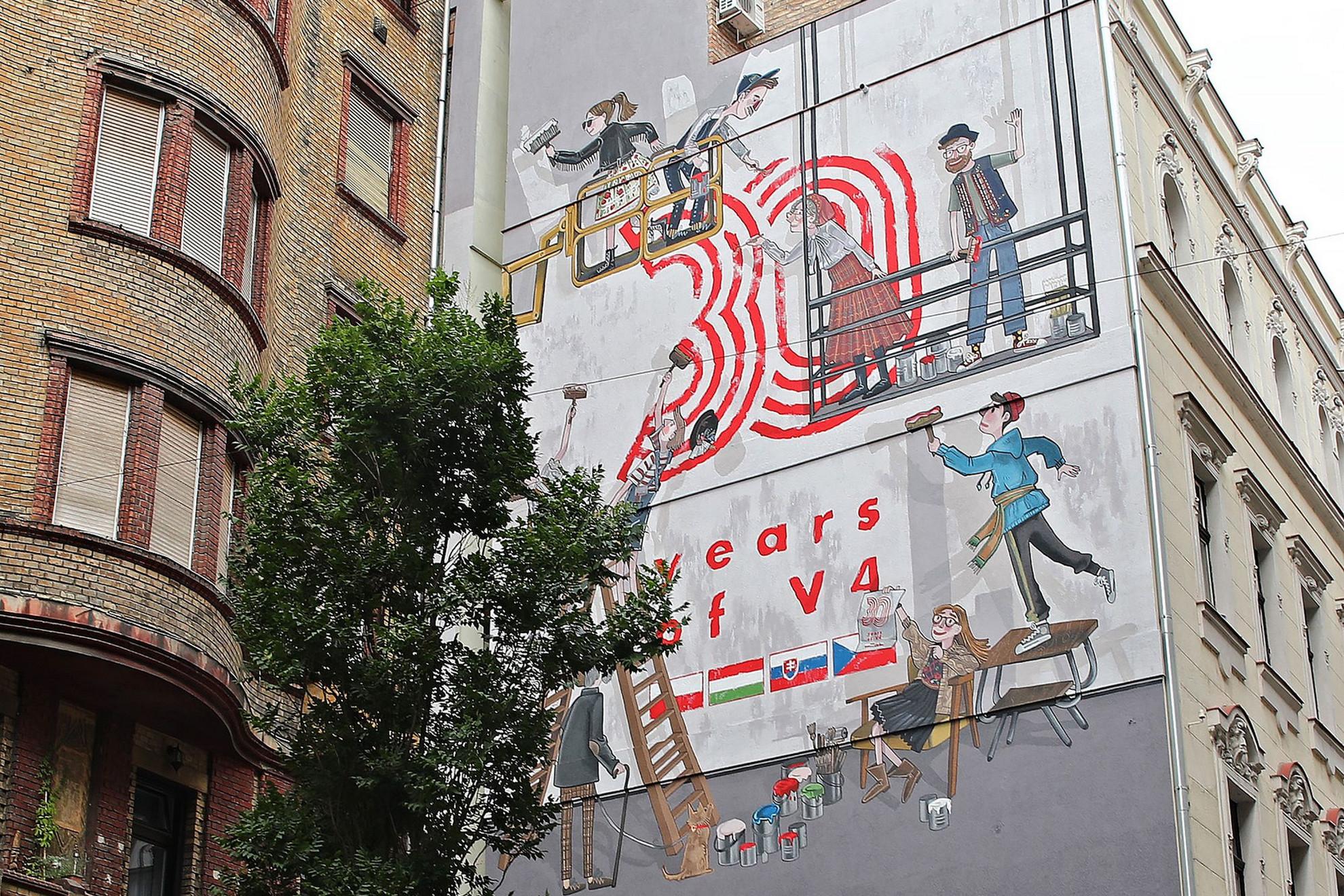 Falfestménnyel ünnepelték a visegrádi együttműködés 30. évfordulóját