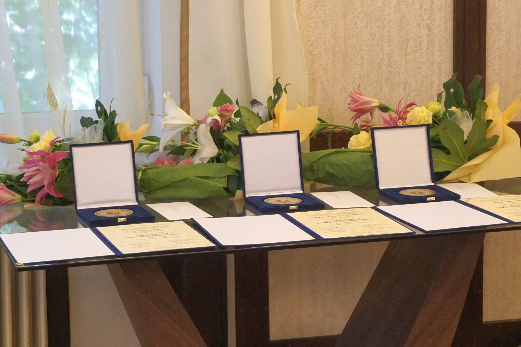 A három díjazott életútját a kitüntetést odaítélő Védnöki Testület tagjai ismertették