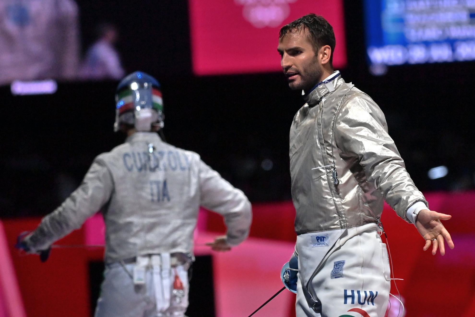 Tóth Krisztián (fehérben) és a német Eduard Trippel küzdelme a férfi cselgáncsozók 90 kilogrammos súlycsoportjának negyeddöntőjében