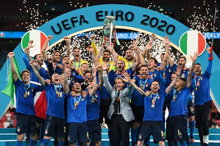 Öt olasz játékos került be a foci Eb álomcsapatába