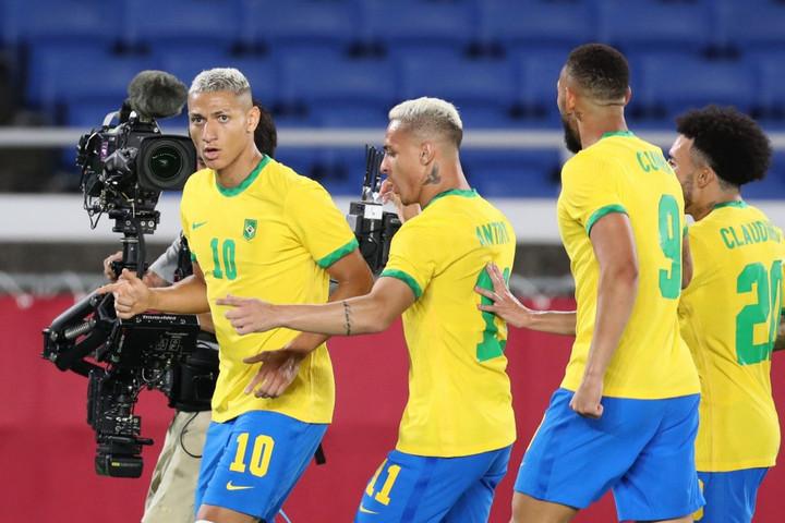 Richarlison triplája győzelmet ért a braziloknak