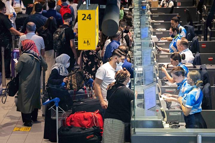 Hollandia oltottsághoz vagy teszthez köti a beutazást