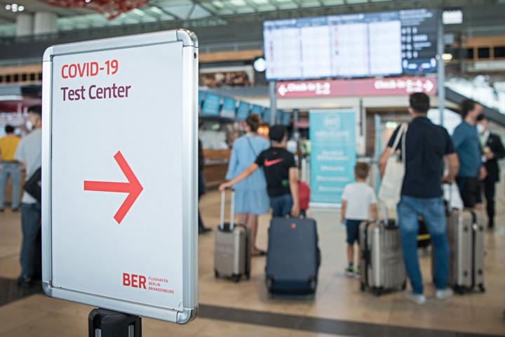 Negatív teszttel lehet belépni Németországba