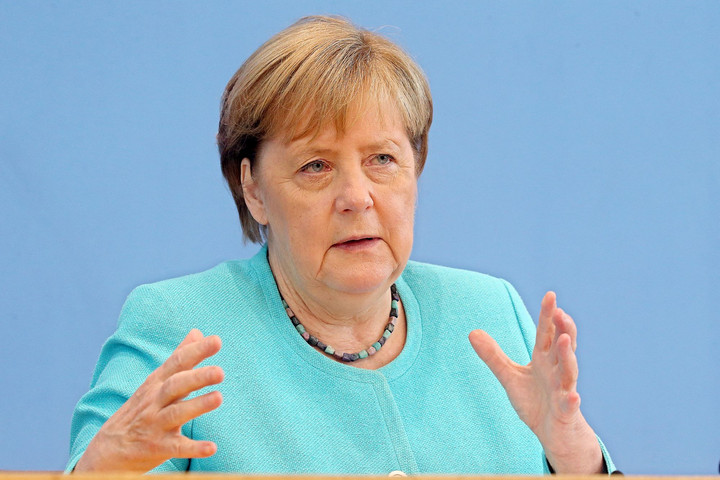 Merkel: Berlin érdeke a párbeszéd Moszkvával