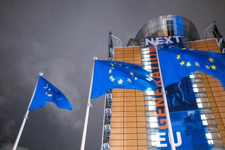 """""""Szándékosan néz félre az Európai Bizottság, ha a nemzeti kisebbségekről van szó"""""""