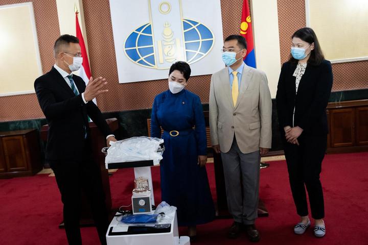 Magyarország 33 lélegeztetőgépet adományoz Mongóliának