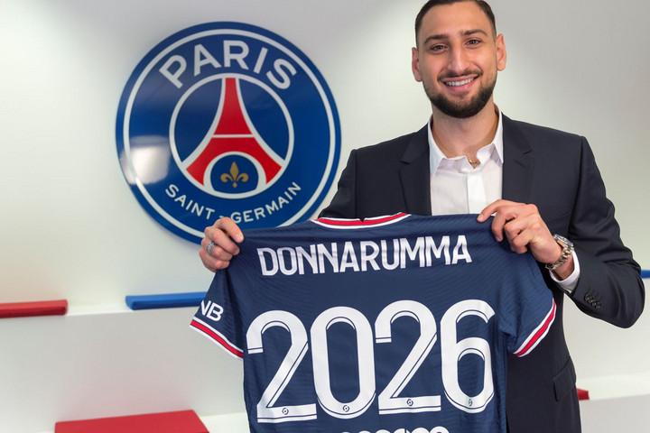 Donnarumma a Paris Saint-Germainhez igazolt