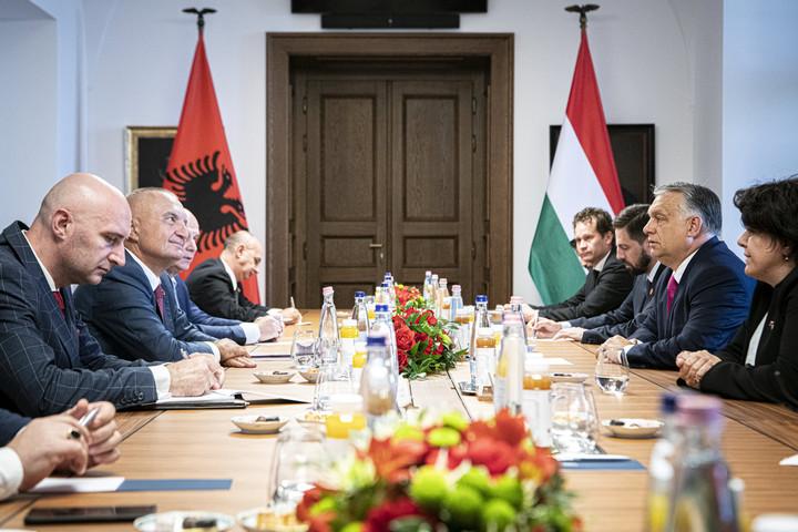 Orbán Viktor az albán köztársasági elnököt fogadta