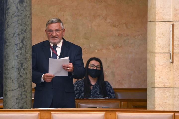 A családtámogatások növelése jelenti Magyarország jövőjét