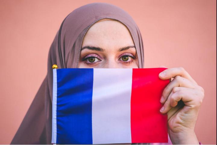 A vallási szeparatizmus kihívásai a francia iskolákban