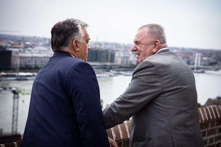Orbán Viktor köszöntötte a születésnapos Mészöly Kálmánt