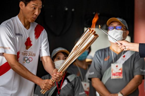 Megérkezett Tokióba az olimpiai láng
