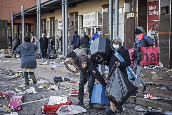 Lángba borult Dél-Afrika