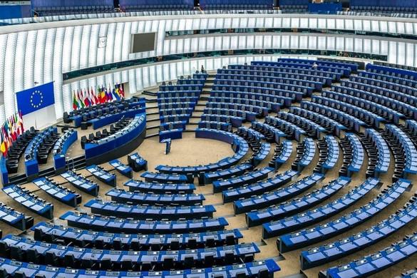 Az EP elfogadta a Magyarországot támadó határozatot