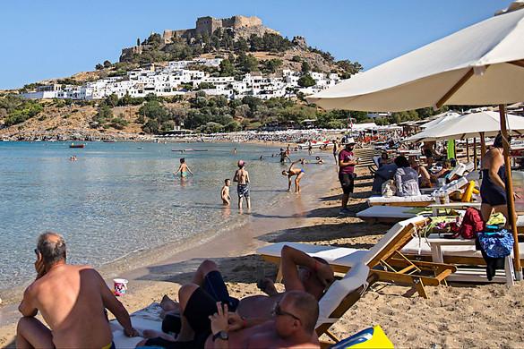 Ismét szigorítanak a görögök