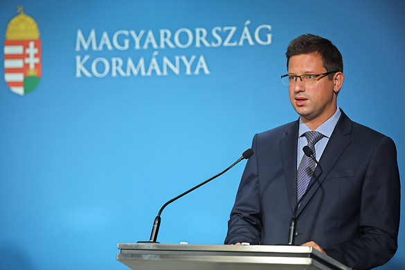 """""""Brüsszelnek át kell gondolnia Közép-Európához való viszonyát"""""""