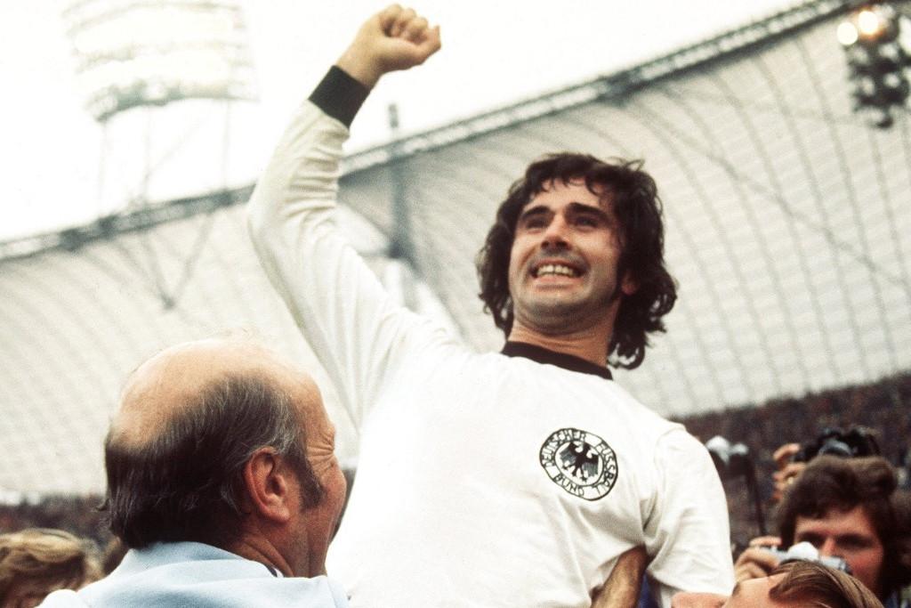 Müller a világ tetején: a német csapat győzelmét ünnepli az 1974-es vb-döntő után