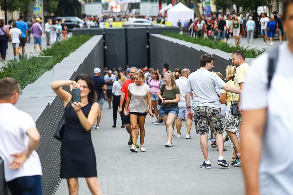 Sokakat vonz a Trianon-emlékmű