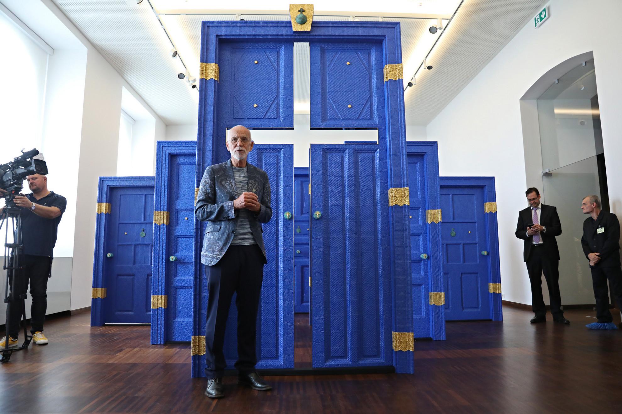Az újjászületett Szent István-teremhez kapcsolódó installáció, Havadtőy Sámuel világhírű képzőművész alkotása a sajtónyilvános bejárás napján a Budavári Palotában