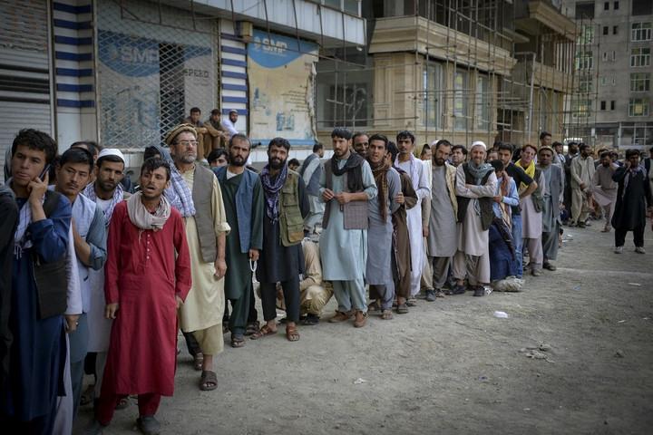 Hollandia és Franciaország is megakadályozná az afgán menekültek tömeges beáramlását