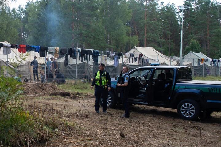Litvánia a hadsereget is beveti a fehérorosz határon