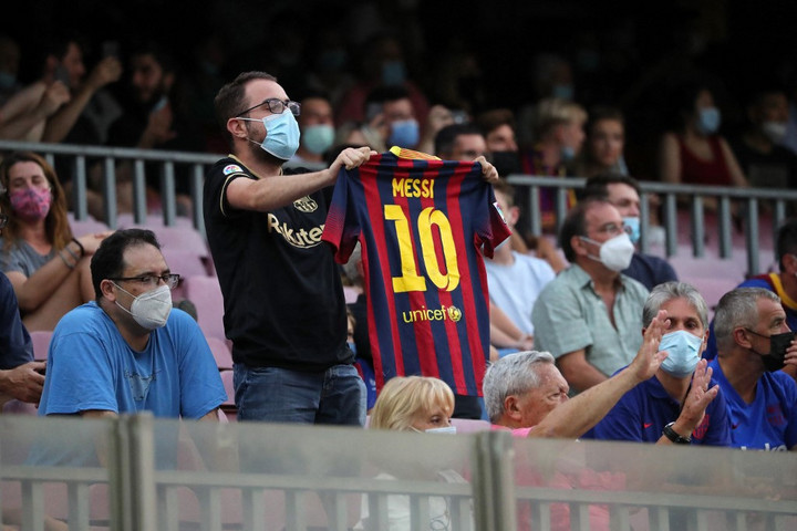 A Barcelona 40 millió eurótól esett el a visszalépő pártoló klubtagjai miatt