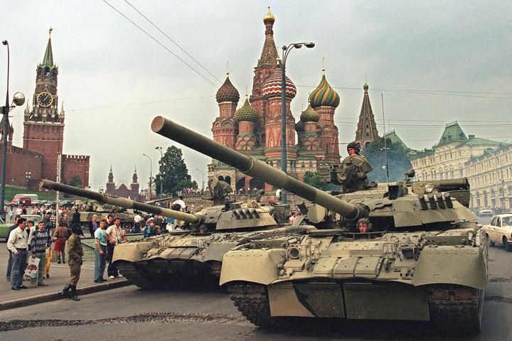 Az utolsó korty vodka – a Gorbacsov elleni puccskísérlet története