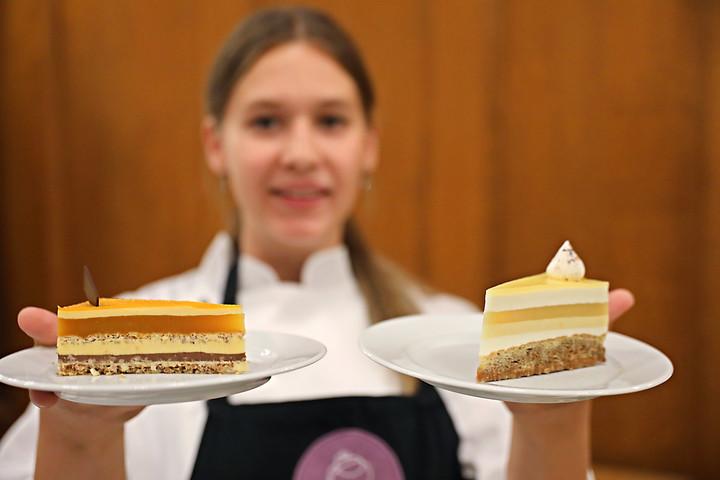 A Napraforgó nevű édesség lett idén az ország tortája