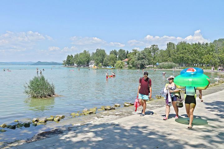 Kétmilliónál is többen utaztak az idén nyáron vonattal a Balatonhoz