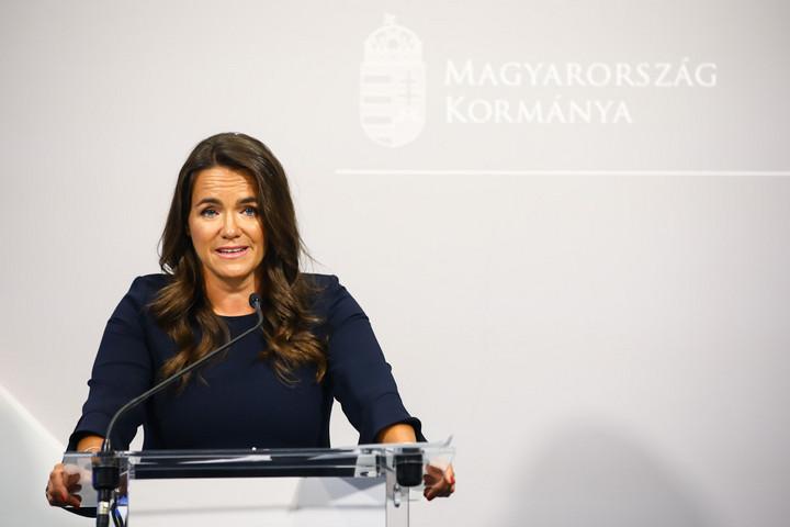 Novák: A minimálbér emelésével nőne a gyed is