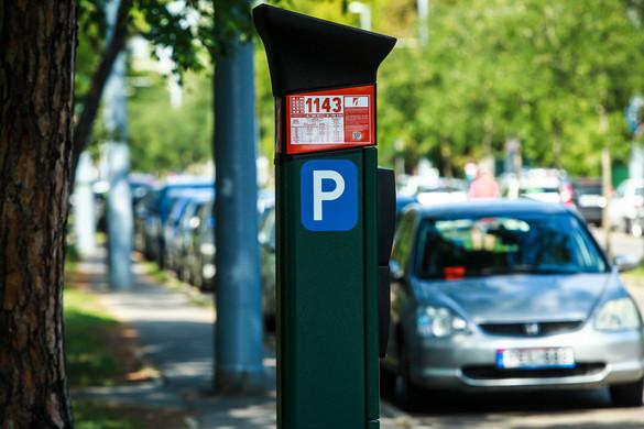 Politikai alapon osztják a parkolóhelyeket Budapesten