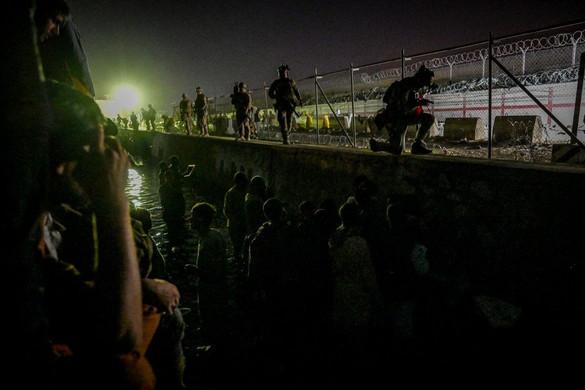 Lövöldözés volt a kabuli reptérnél