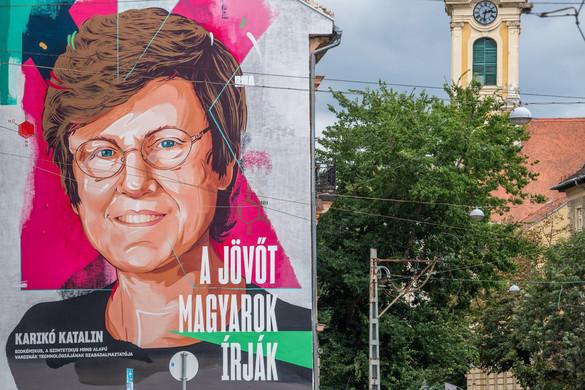 Óriási falfestmény készült Karikó Katalinról