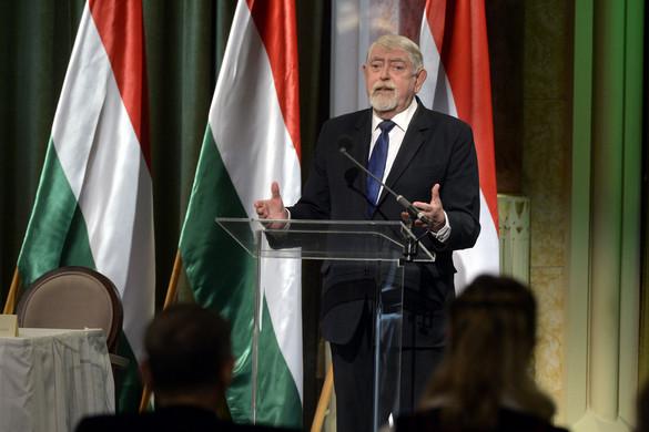 """""""A magyar kultúra éppen azért páratlan, mert sokgyökerű"""""""