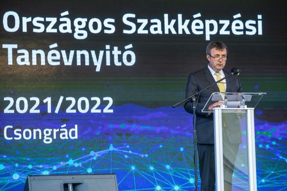Palkovics: Sikerrel vette az akadályt az új szakképzési rendszer
