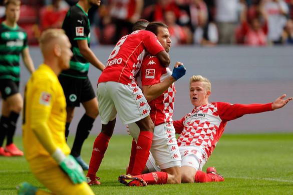 Szalai góllal, Sallai gólpasszal segítette győzelemhez csapatát