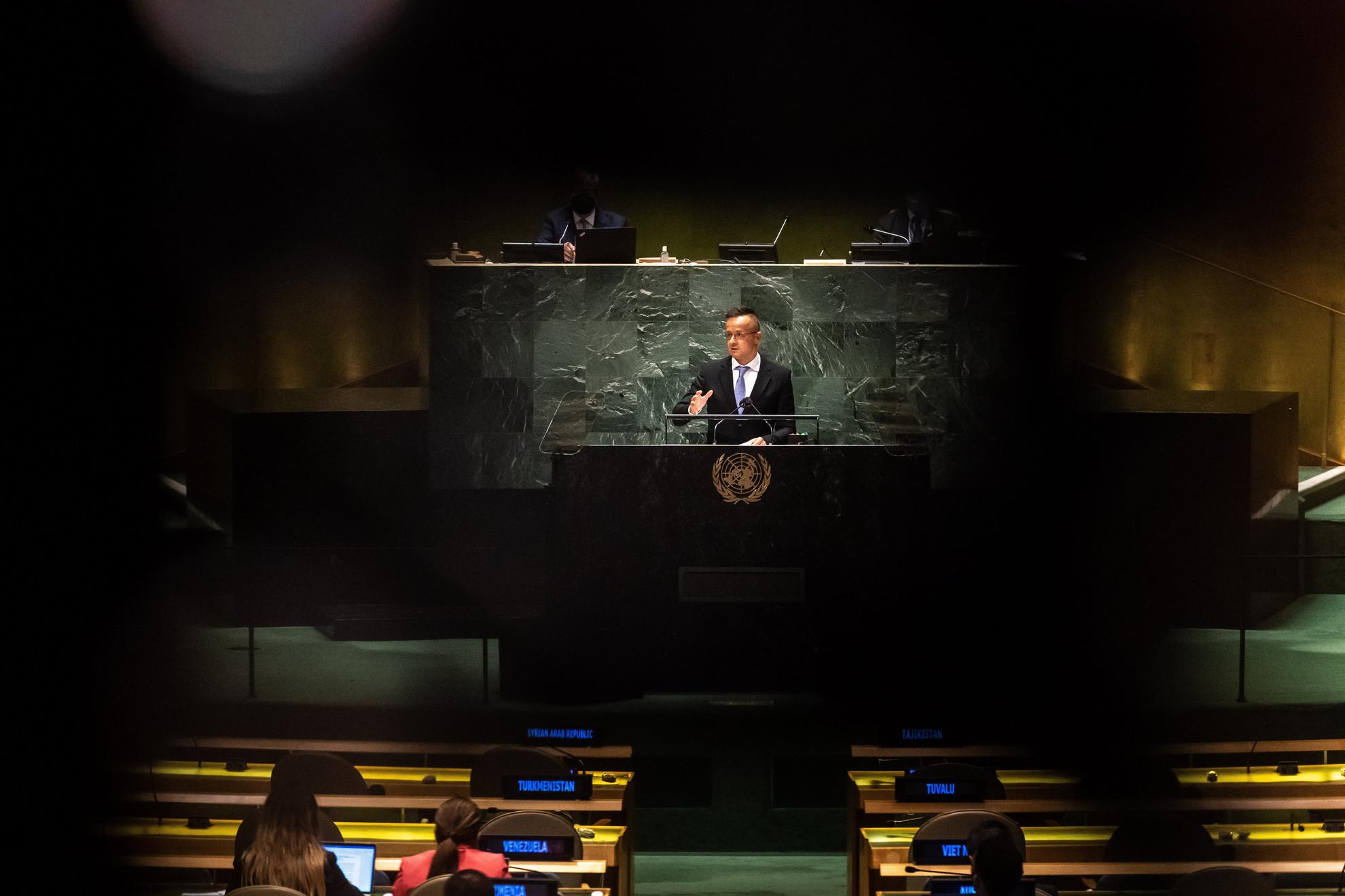 Szijjártó Péter külgazdasági és külügyminiszter felszólal az ENSZ-közgyűlés 76. ülésszakának általános vitáján New Yorkban 2021. szeptember 24-én