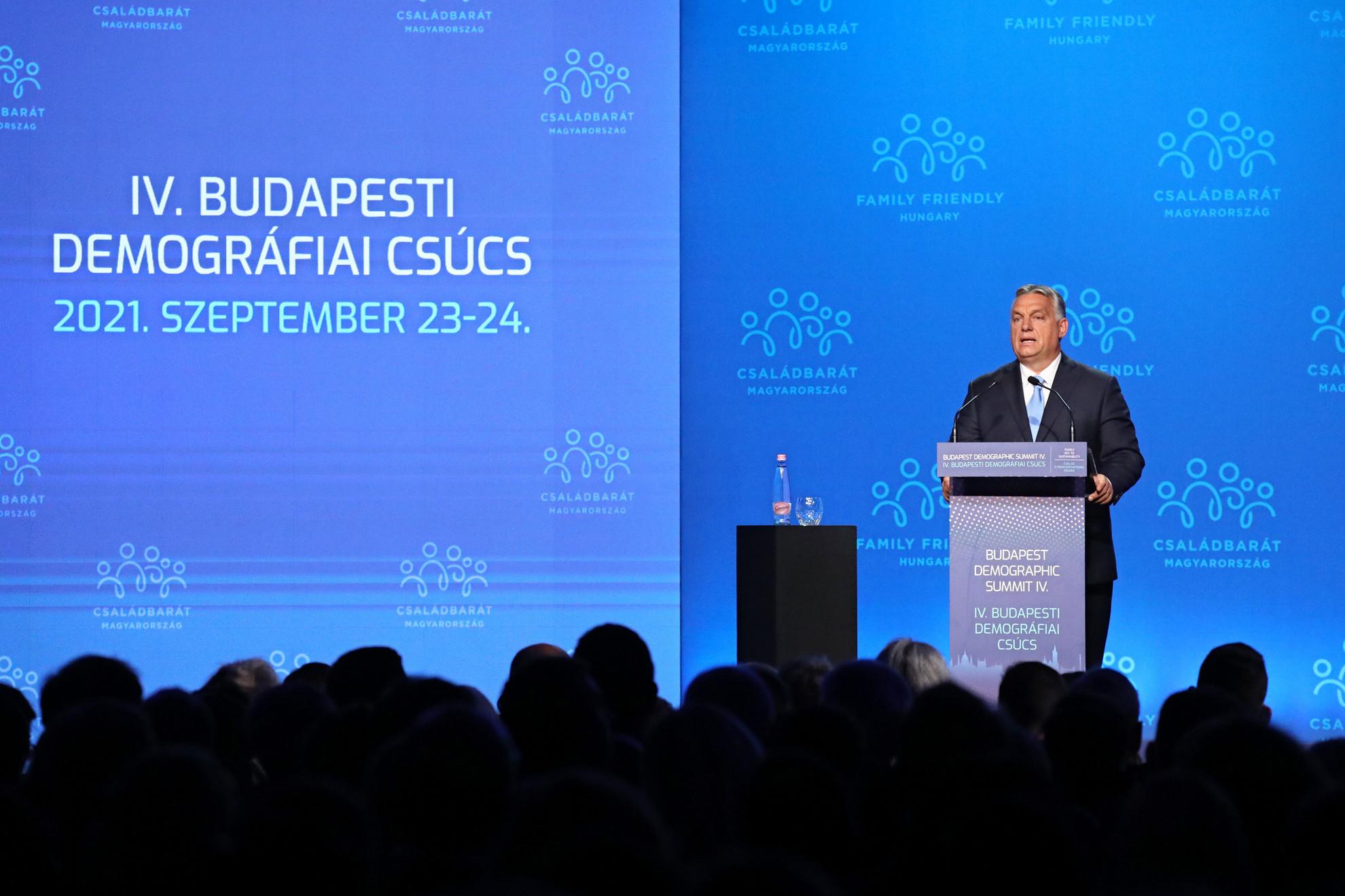Orbán Viktor miniszterelnök a IV. Budapesti Demográfiai Csúcson a Várkert Bazárban 2021. szeptember 23-án