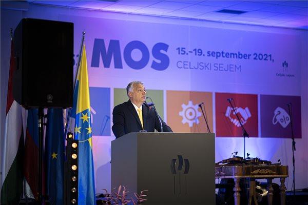 Orbán Viktor kormányfő beszédet mond a szlovéniai Celjében az 53. Nemzetközi Kisiparos és Vállalkozói Vásár megnyitóján