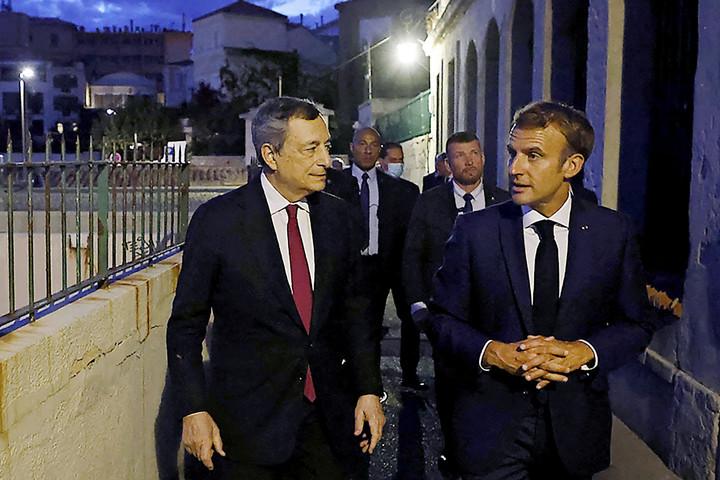 Macron terve adósságot hoz magával